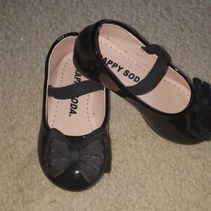 Toddlers size 6 - beautiful girls dress shoes